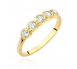 Klasyczny pierścionek z cyrkoniami na prezent